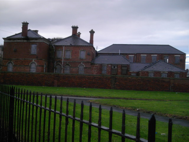 Derelict_Orphanage_-_geograph.org.uk_-_87615.jpg