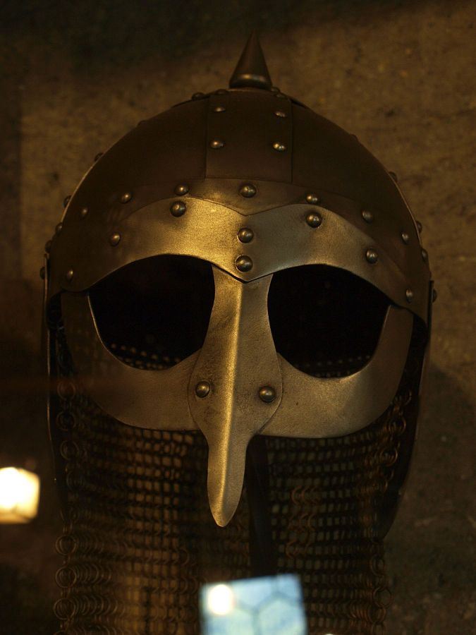 Viking_helmet.jpg