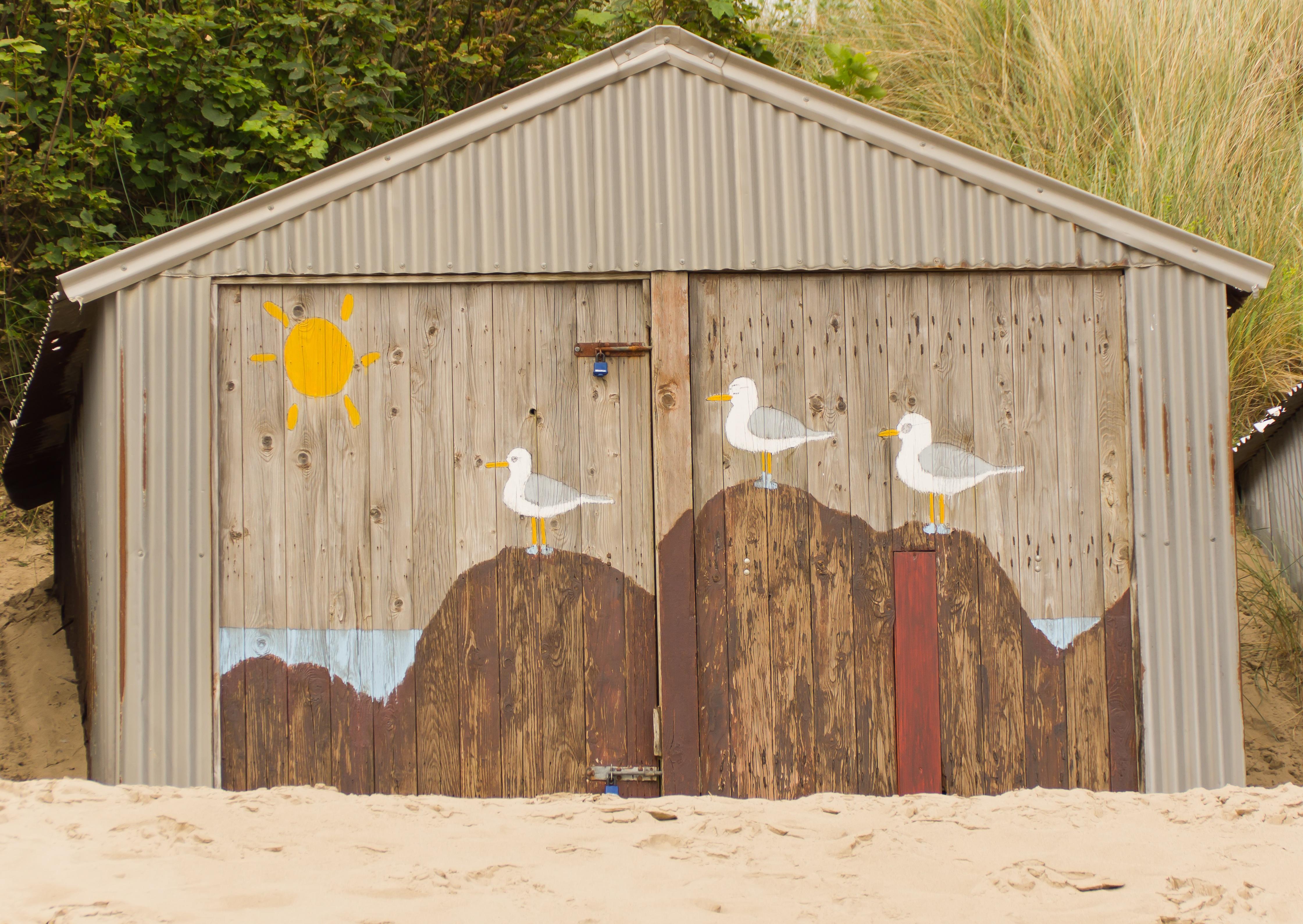 beach-coast-sand-wood-building-barn-675613-pxhere.com.jpg
